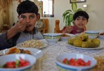 Study Says Children Who Eat Veggies as Likely To Eat Junk Food