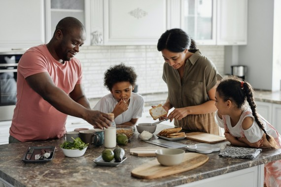 Food World News - 5 Ways Eating in a Pandemic Is Improving Your Relationship With Food – and Why You Should Stick With Them