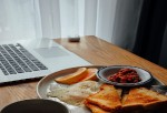 Healthy Diet Tips for Work-From-Home People