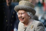 Queen Elizabeth Eats a Hamburger, and She has a Very Specific Way to Eat it