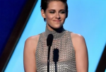 KStew made headlines again! Kristen Stewart wardrobe malfunction at the 2014 Hollywood Film Awards, pose yet another awkward moment for the Twilight star.
